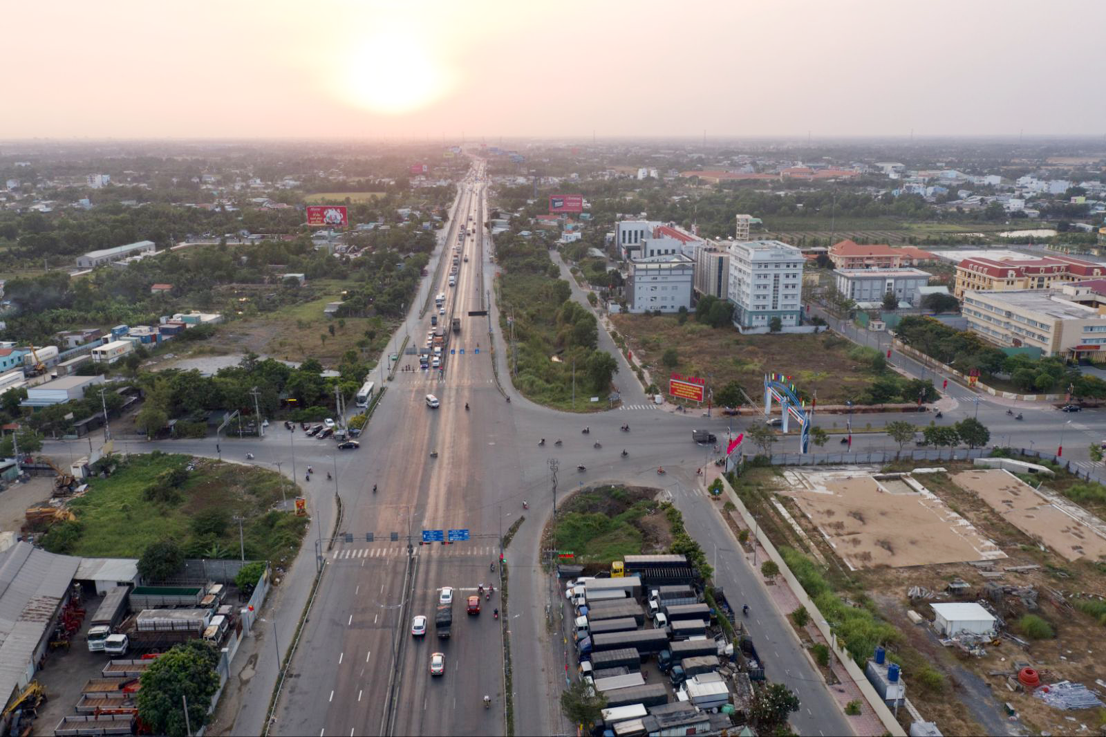 Bất động sản tây TP.HCM hưởng lợi từ dự án hạ tầng giao thông lớn